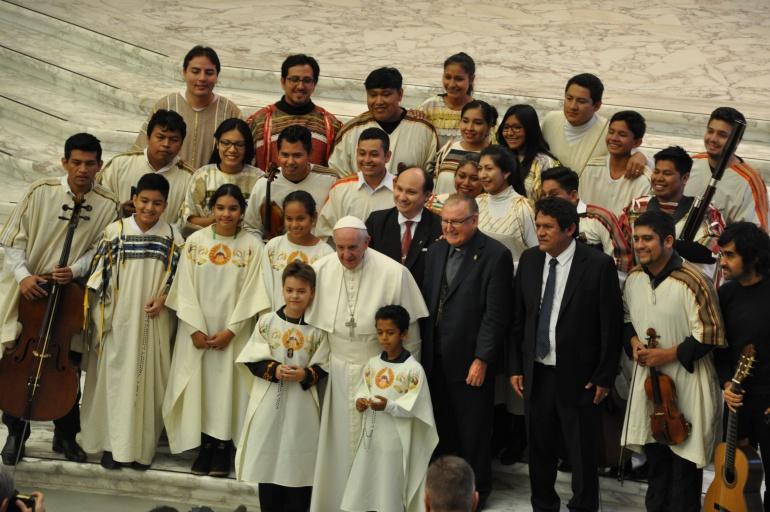 La orquesta de la Juventud Boliviana Hombres Nuevos empezó el año actuando para el Papa