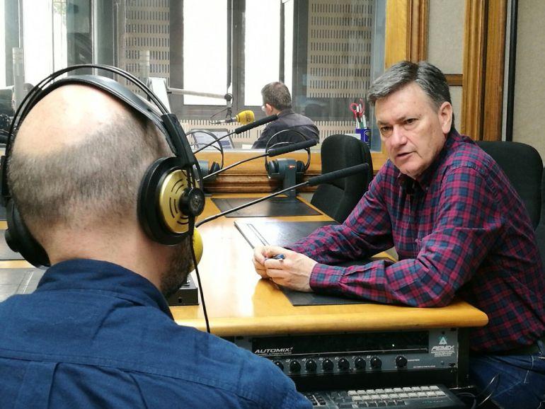 El presidente de la Diputación, Francisco Vázquez, en los estudios de Radio Segovia