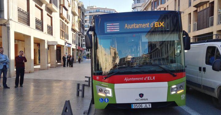Ya funciona el bus de la oficina de tr fico y carrefour - Carrefour oficinas centrales madrid ...