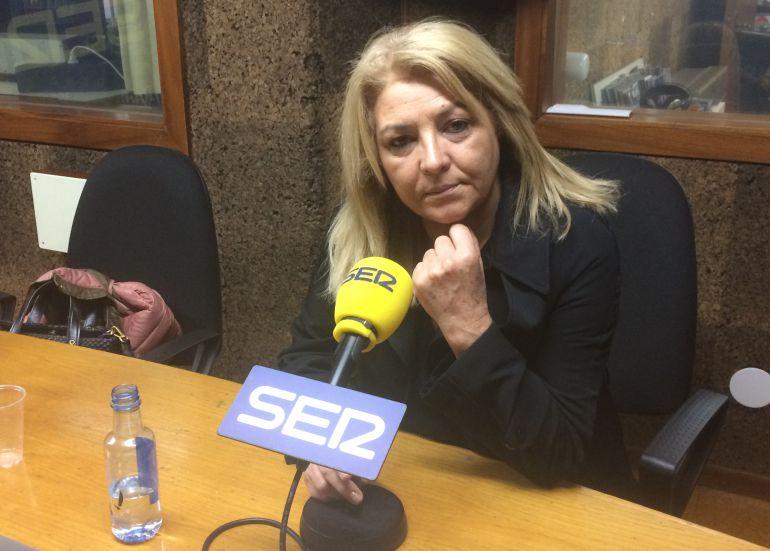 La secretaria de organización socialista en los estudios de Radio Ourense