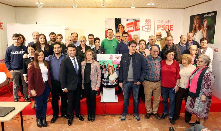 Grupo de apoyo a Susana Díaz en la sede del PSOE de Valladolid