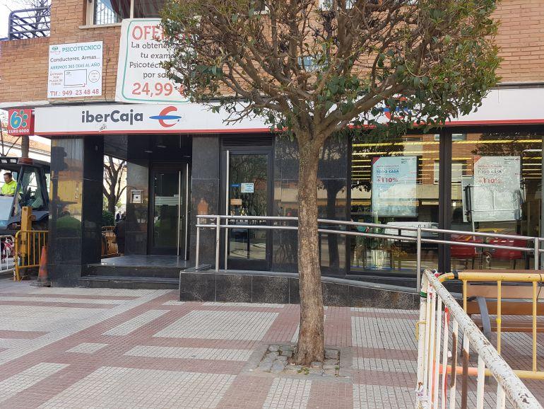 Ibercaja banco presenta un ere que incluir salida de for Oficina zona azul talavera