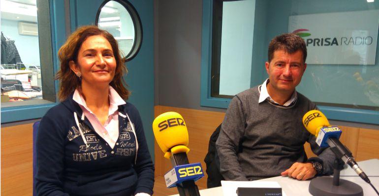 A l'esquerra, Tere Alsinet, directora del departament d'Enginyeria Informàtica i d'Enginyeria Industrial de la UdL i al seu costat Francesc Giné, director de l'Escola Politècnica Superior de la UdL.