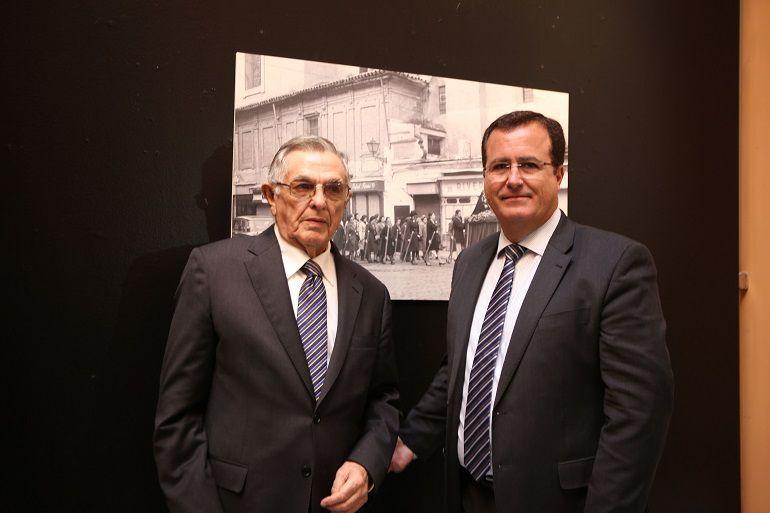 Exposición de fotografías de Martín Cartaya y otra de enseres: El Ayuntamiento acoge una exposición de fotografías de Martín Cartaya y otra de enseres
