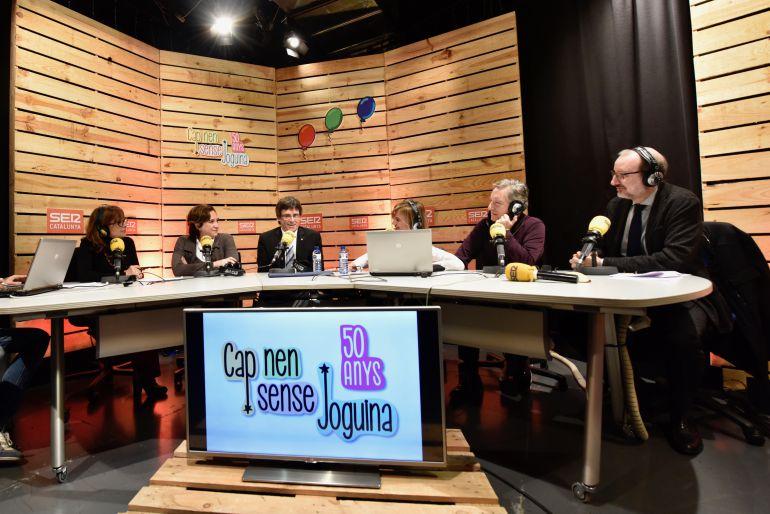 Així es va iniciar el programa especial del 50 aniversari de Cap Nen Snse Joguina: amb Rosa Badia, Ada Colau, Carles Puigdemont, Gemma Nierga, Iñaki Gabilondo i Antoni Bassas