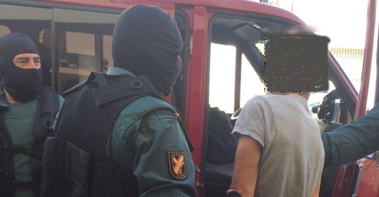 Varios guardias civiles durante la última detención.