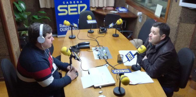 El portavoz socialista en los estudios de Radio Ourense