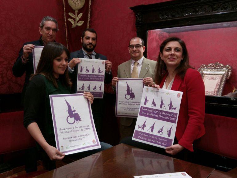 El Salón de Comisiones ha acogido esta mañana la presentación del Plan Parihuela, que coordina la organización de la Semana Santa de Granada