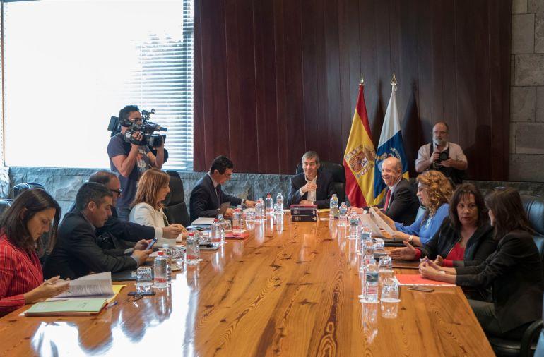 Resultado de imagen de El Gobierno acuerda la adhesión de Canarias al Fondo de Facilidad Financiera por tercer año consecutivo
