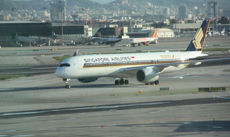 L'Aribus A350 de Singapore Airlines a l'aeroport de Barcelona