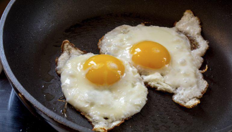 Conoce cómo hacer el huevo frito perfecto