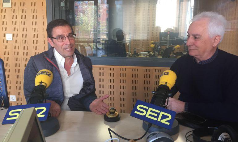 El presidente de la Asociación de Vecinos Pilarica, José Luis Alcalde, y el vicepresidente de la Asociación Familiar Delicias, Máximo Brizuela, en los estudios de Radio Valladolid