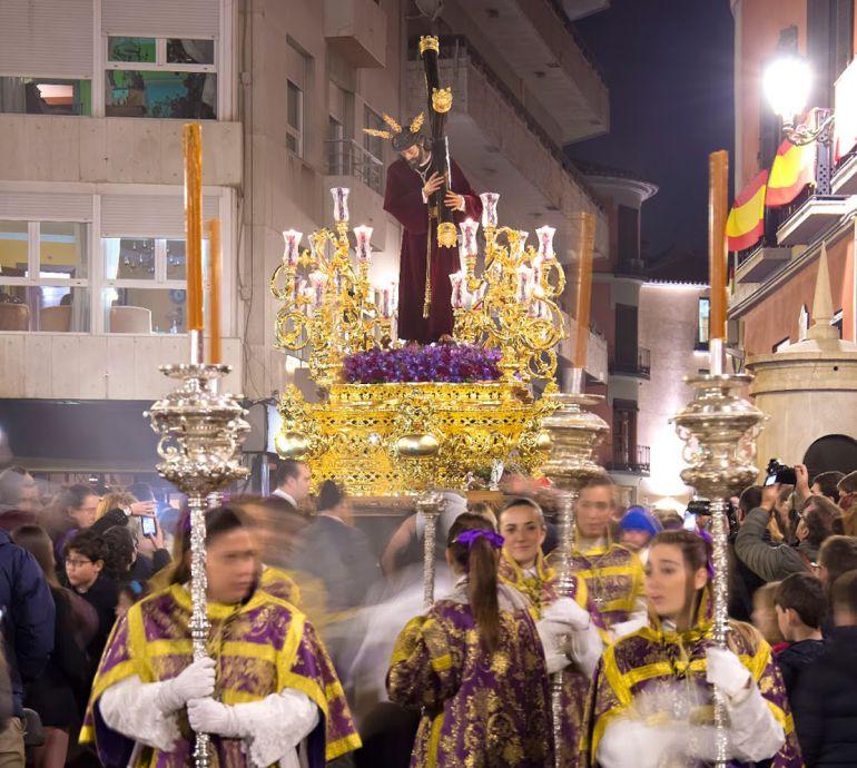 El paso de Jesús de Pasión se presentará este Jueves Santo totalmente dorado, a falta del baquetón
