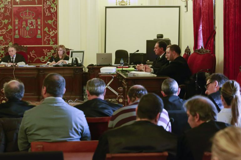 Lectura del veredicto en el juicio por el crimen del ex boxeador leonés Roberto Larralde
