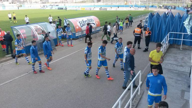 La Arandina sumó una nueva derrota ante el Racing y enfila el camino hacia la Tercera División