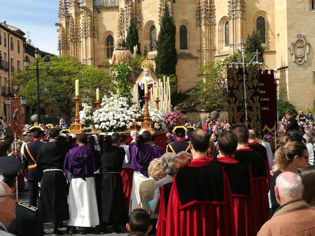La plaza Mayor ha sido el escenario final de la procesión del Encuentro