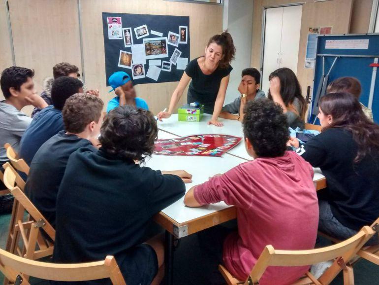Tots els districtes de Barcelona tindran servei d'atenció als adolescents