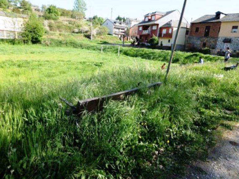 Estado del campo de fútbol de San Lorenzo del Bierzo