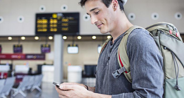 Cómo tu móvil te puede salvar si pierdes la documentación y tarjetas de viaje