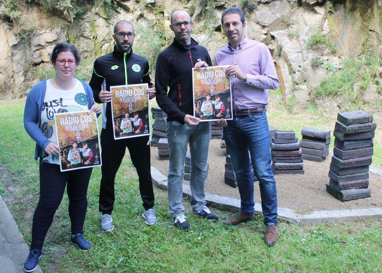 Prsentación del cartel anunciador de la actuación de Radio Cos en Cervo el 6 de mayo
