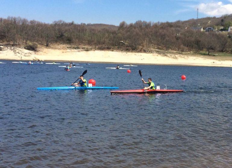 Este fin de semana en A Veiga, se disputó la segunda regata de la liga gallega infantil de piragüismo