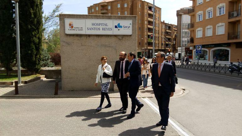 El Consejero de Sanidad, Antonio María Sáez Aguado, en su visita a Aranda