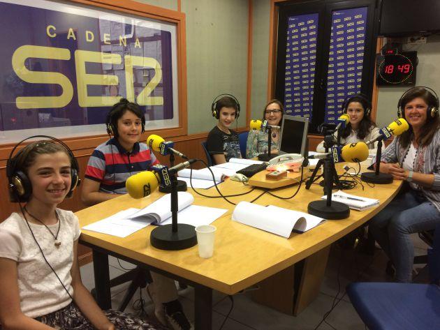 Un momento de la grabación del programa de Radio Agro Escuela