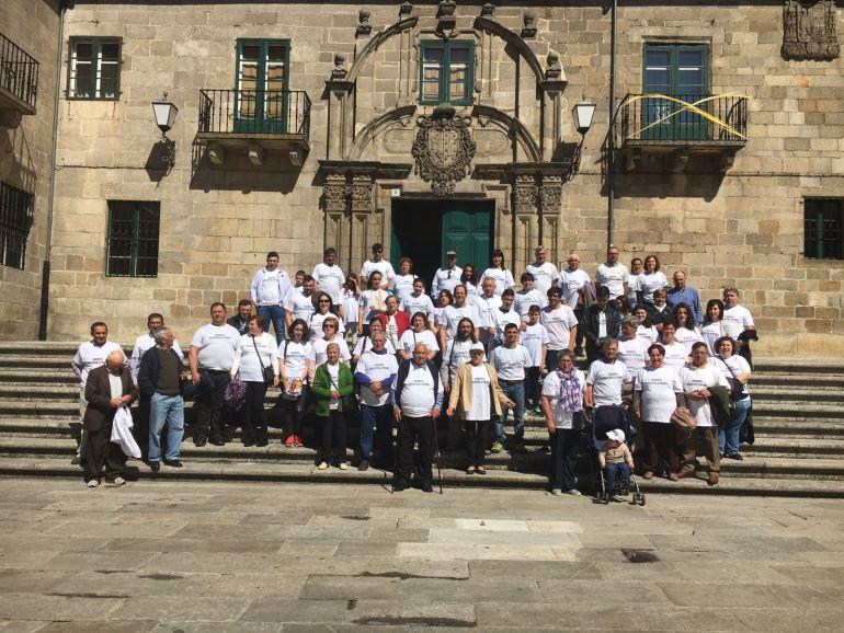 Concentración de feligreses de Friol y Guitiriz ante la Catedral de Lugo
