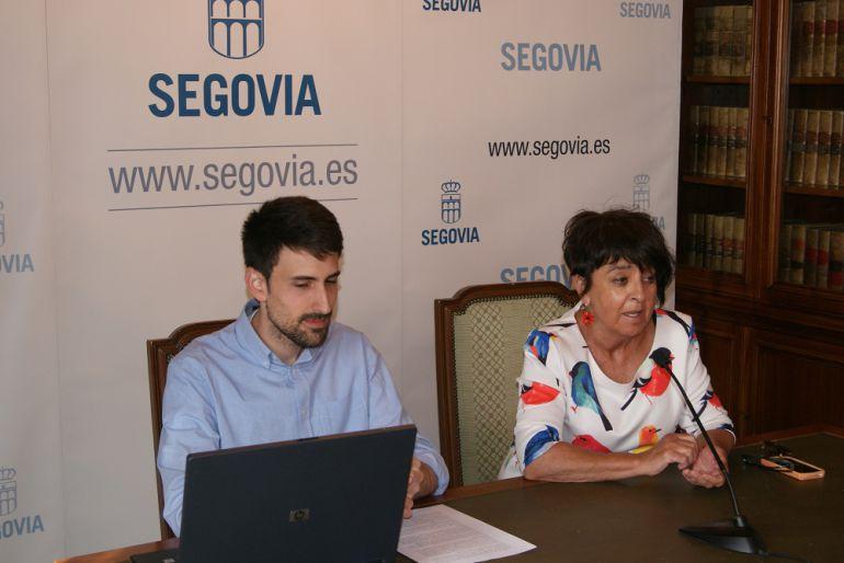 Álvaro Serrano, concejal de Educación y Juventud y Claudia de Santos, concejala de Patrimonio y Turismo