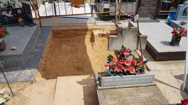 Así está la fosa número 82 tras el primer día de trabajos de exhumación
