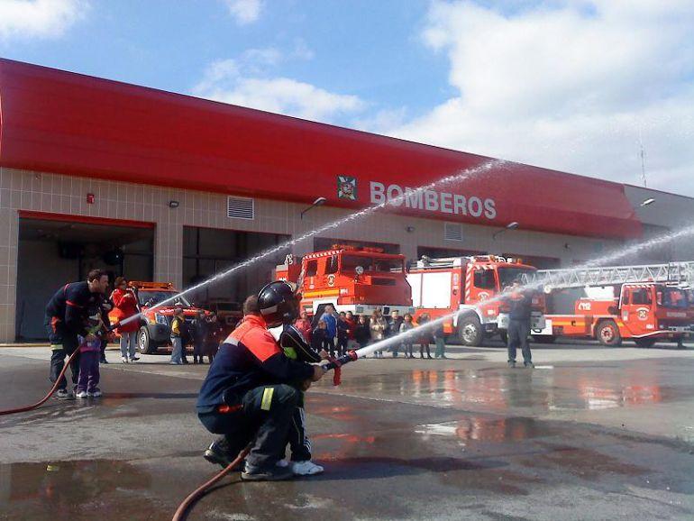 Exhibición de los bomberos de Castro Urdiales.