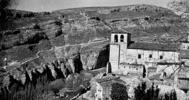 Iglesia románica de San Miguel antes de su restauración.