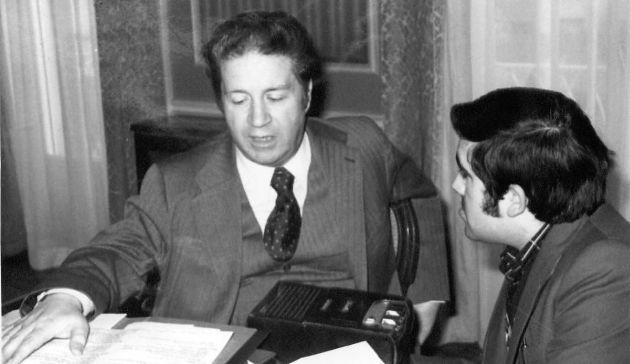 Antonio Iglesias entrevistado por el periodista José Vicente Ávila.