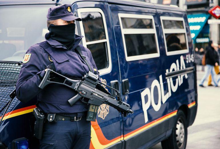 Casi treinta agentes refuerzan la comisar a de polic a de - Policia nacional algeciras ...
