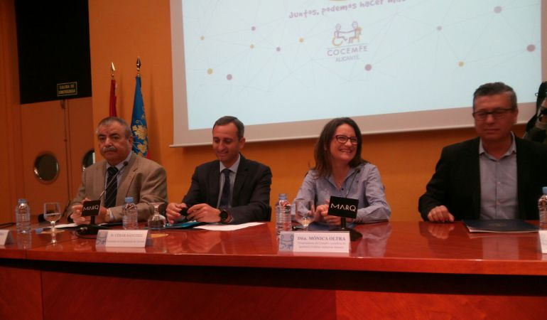 El presidente de la Diputación, César Sánchez, ha coincidido con la vicepresidenta del Consell y consellera de Políticas Inclusivas, Mónica Oltra, en un acto conmemorativo de COCEMFE.