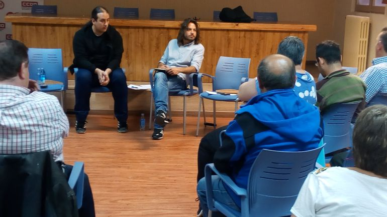 Toma de contacto de representantes de Podemos con ciudadanos