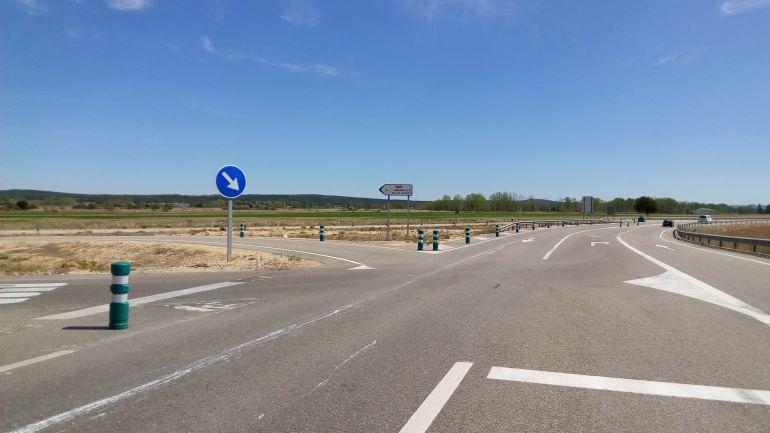 Cruce entre el tramo ribereño de la A-11 y la N-122