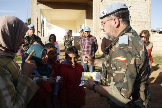 Librado Carrasco durante su misión en Líbano