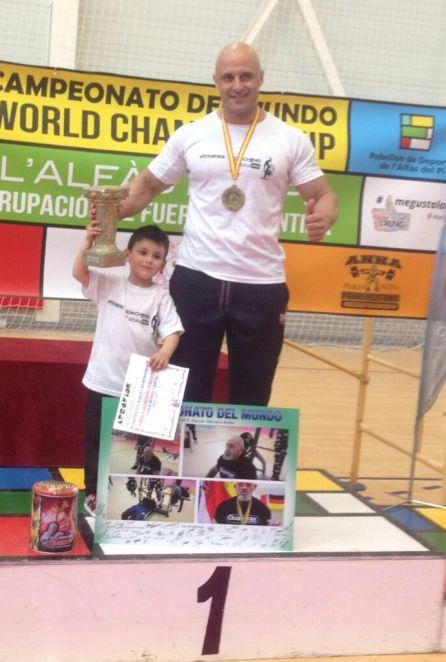 Pablo Murcia con su hijo Adrián