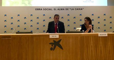El presidente de Ferias Jaén, Ángel Vera, y la directora general de Industria y Cadena Agroalimentaria de la Junta, Rosa Ríos.