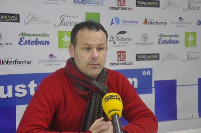 Juanmi Puentenueva, entrenador del Salerm Puente Genil
