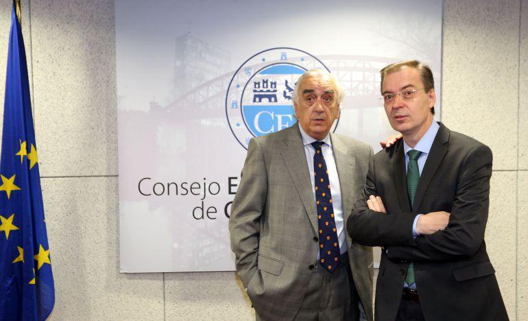 Los presidentes de los CES de Castilla y León y de España, Germán Barrios y Marcos Peña (I), respectivamente, participan en la Jornada 'La creación de empresas en España y su impacto en el empleo'