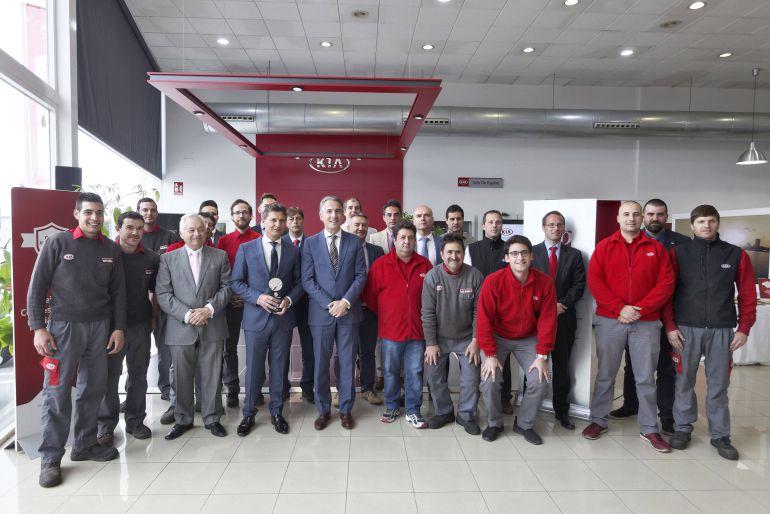 Acto de entrega del galardón a Automoción Cano, concesionario oficial Kia Motors en Castellón