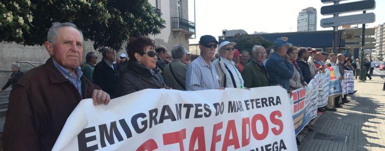 A Coruña: Marineros que reclaman sus jubilaciones en Noruega marcharán por Madrid