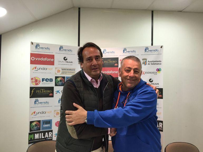 Jorge Recio y Miguel Ángel Ortega anuncian la renovación del técnico por Avenida