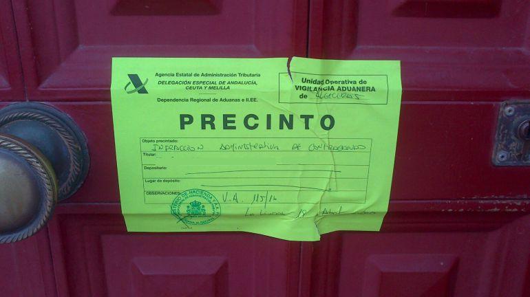 Uno de los establecimientos cerrados por la Agencia Tributaria en La Línea.