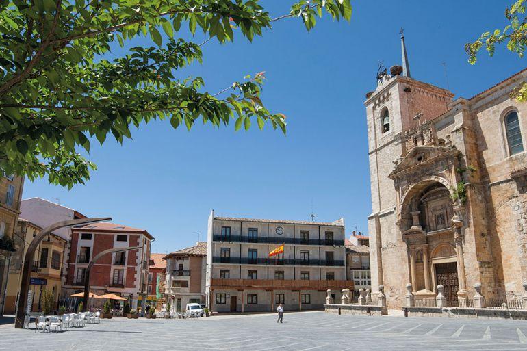 Iglesia de Santa María en la Plaza Mayor de Roa