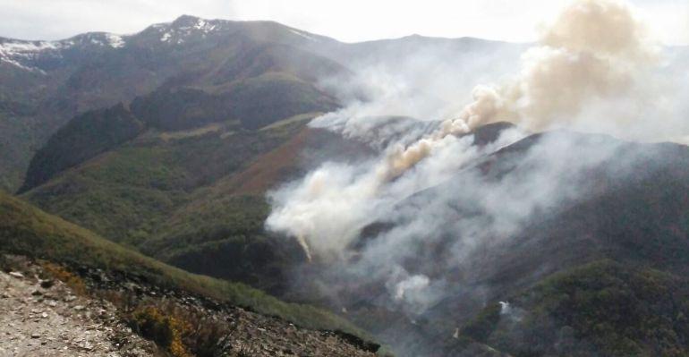 Imagen del incendio, en San Adrián