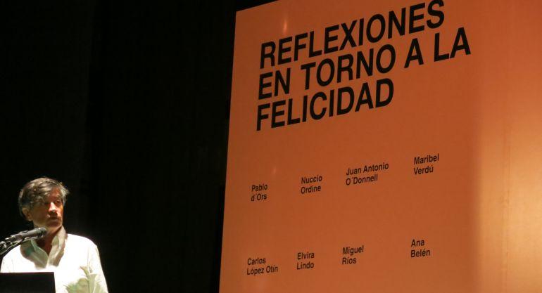 Carlos López Otín inaugura el IV Congreso del Bienestar en el Teatro San Francisco de Vejer