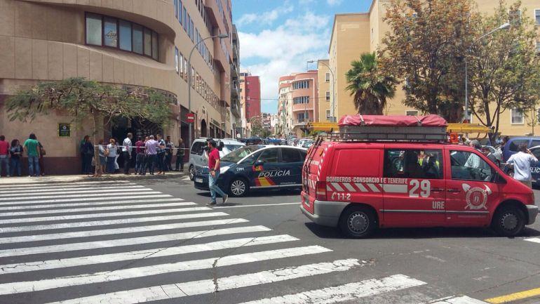 Desalojan el Edificio El Cabo ante la sospecha de un producto tóxico